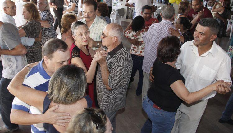 Baile da Primavera da Terceira Idade comemora o aniversário de Jaguariúna