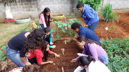Prefeitura implementa projeto Mãos na Horta em seis escolas municipais