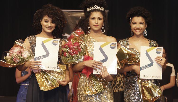 Em noite de gala em Jaguariúna, Jackeline Melo leva a coroa de Miss Pérola Negra 2017