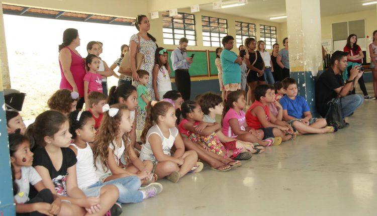 Volta às aulas: Escola Aberta recebe famílias de alunos da rede municipal