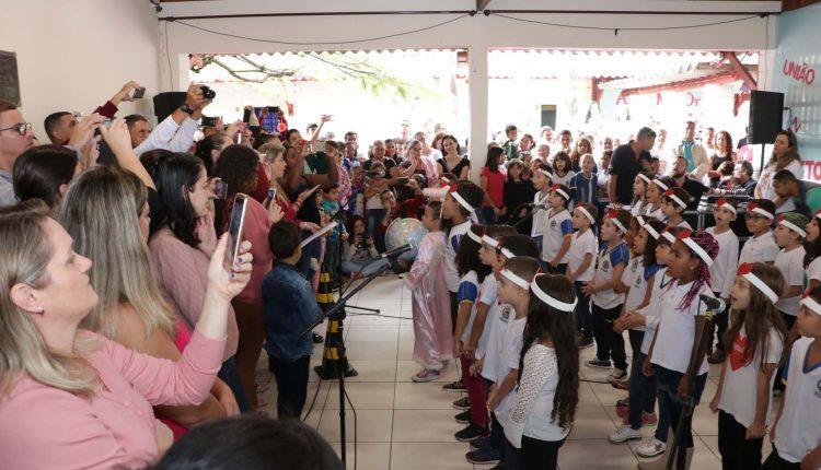 """Escola """"Sada Salomão Hossri"""" recebe mais de 400 pessoas durante uma manhã do Escola Amiga"""