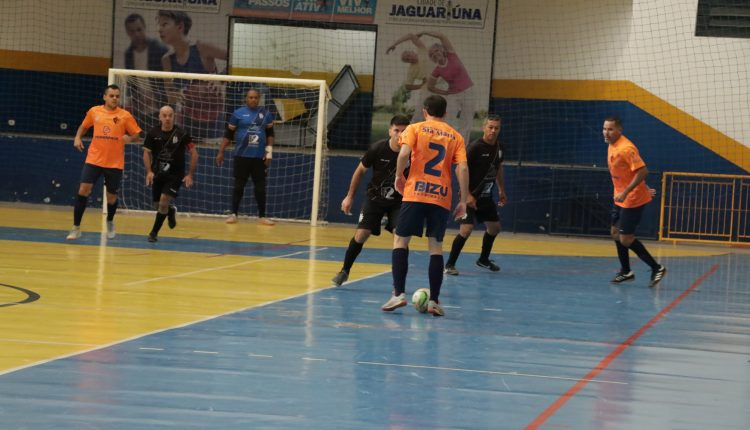 Vila Nova assume liderança isolada do Campeonato de Futsal Veterano