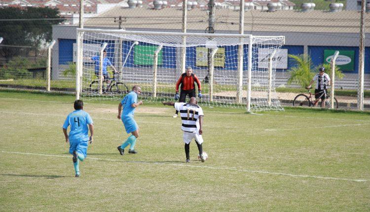 Jardim Elisa e Roseira Master abrem vantagem na liderança do Campeonato de Futebol Sênior