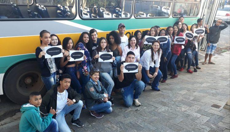 Jovens atendidos pelo CRAS Cruzeiro do Sul realizam visita a sede do SENAC