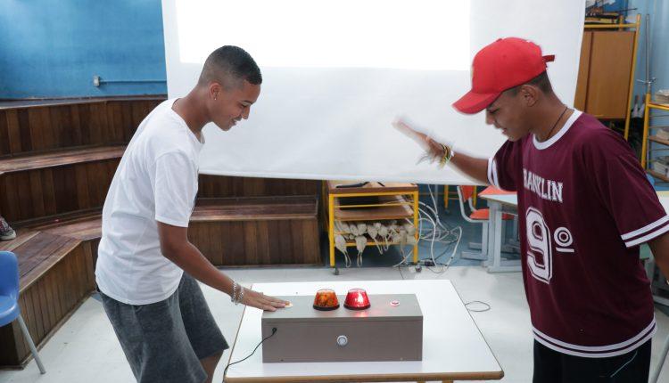 Programa Interação e Saber leva aulas lúdicas aos estudantes do 9º ano de escolas municipais