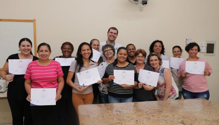 Fundo Social forma alunos do curso de tortas e quiches e entrega certificados